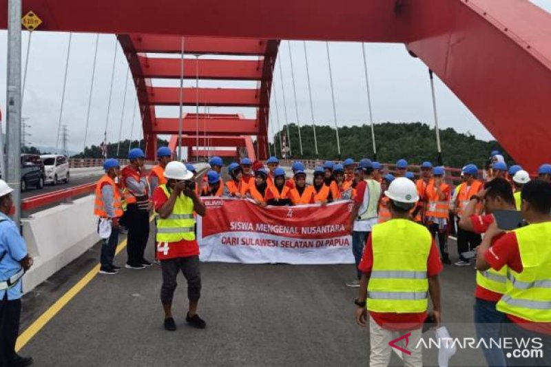 SMN Sulsel berkunjung ke jembatan fenomenal Hamadi-Holtekam