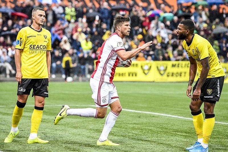 Ajax memetik kemenangan 4-1 di kandang Venlo