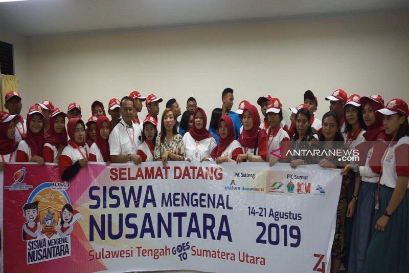 Peserta SMN asal Sulteng kunjungi SMA Unggul Del