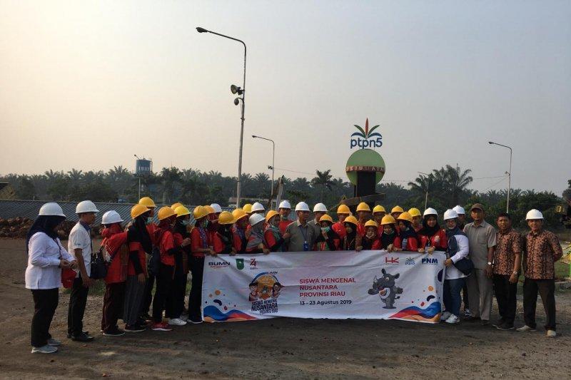Peserta SMN Yogyakarta dikenalkan PTPN V