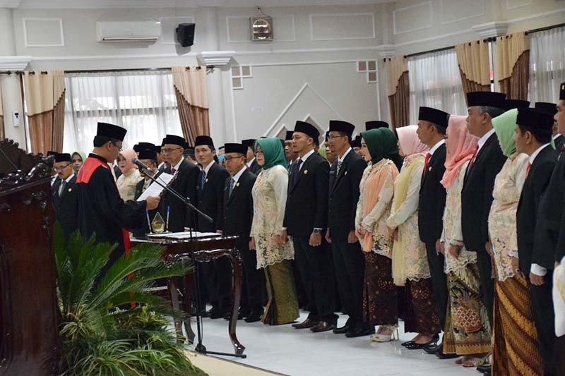 50 anggota DPRD Kabupaten Banyumas dilantik