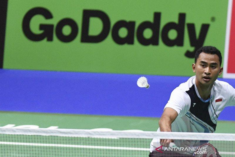Tumbangkan pemain Denmark, Tommy Sugiarto maju ke babak kedua Denmark Open 2019
