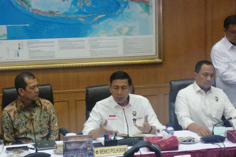 Wiranto akan ke Papua pantau situasi