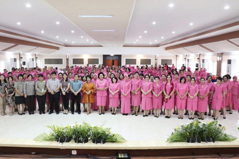 Bhayangkari Sulawesi Utara gelar seminar kesehatan deteksi dini kanker