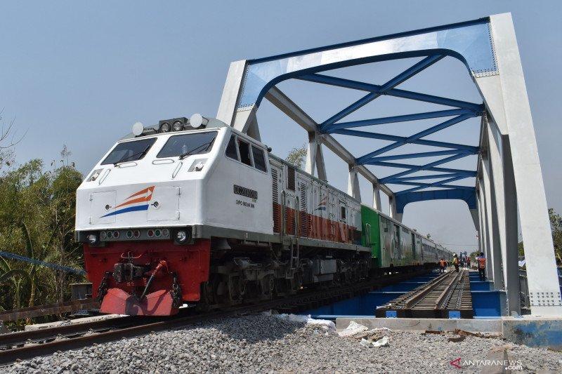KAI pertimbangkan kenaikan tarif kereta api tutupi defisit Rp24 miliar