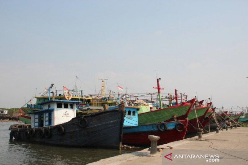 Syahbandar PPN Pekalongan ingatkan nelayan waspadai pergantian musim