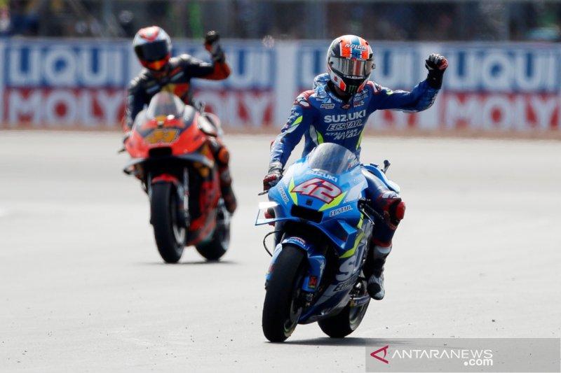 Rins menang dramatis atas Marquez di GP Inggris