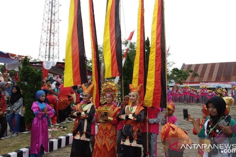 Festival Sumarak Luhak Nan Tuo libatkan ratusan murid SD di Tanah Datar