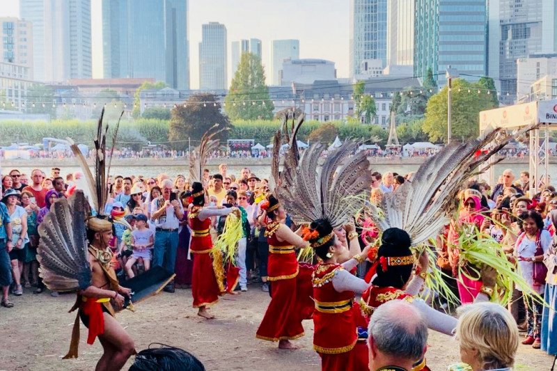 Budaya  Papua tampil di  Museumuferfest Frankfurt Jerman
