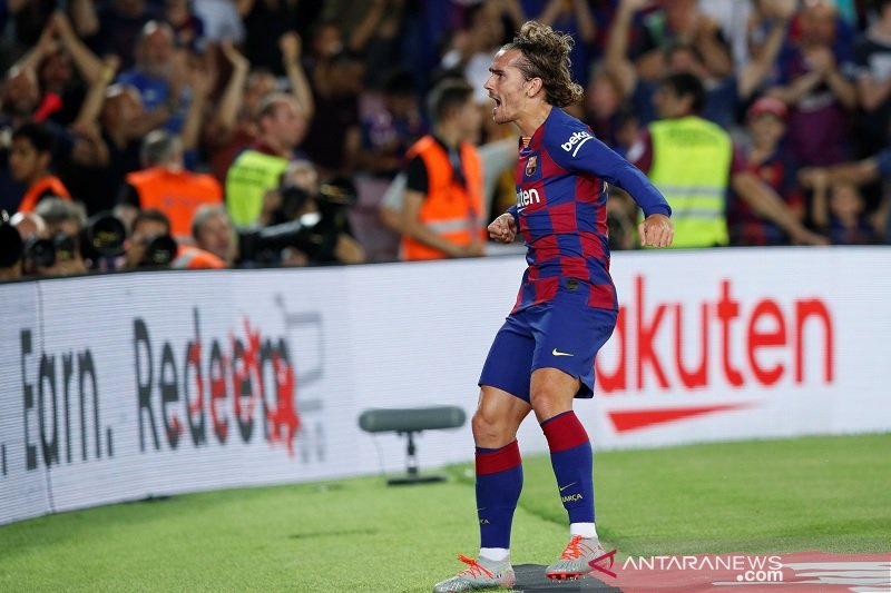 Griezmann dua gol, Barca menang perdana 5-2 atas Betis