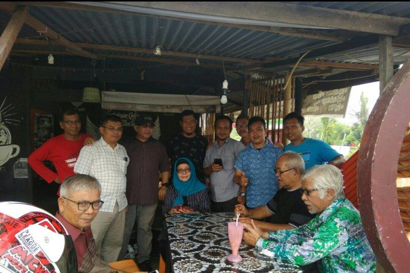 Mantan senator dan sutradara kawakan Malaysia sambangi Istana Siak