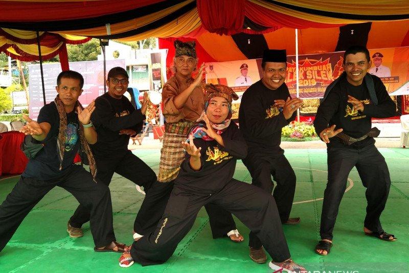 Menebas kungkungan mitos silek tradisi  Minangkabau