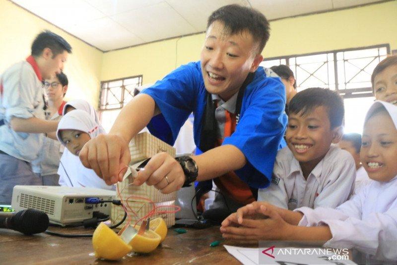 Jepang kenalkan energi listrik dari buah jeruk
