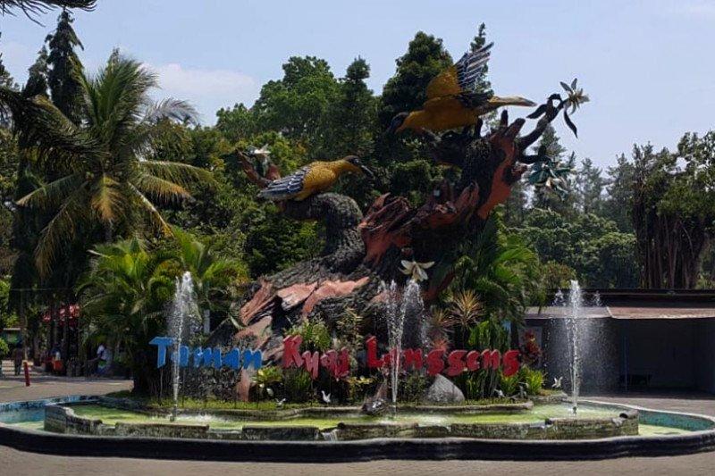 Telaah - Taman Kyai Langgeng, 32 tahun merangkai taman bunga