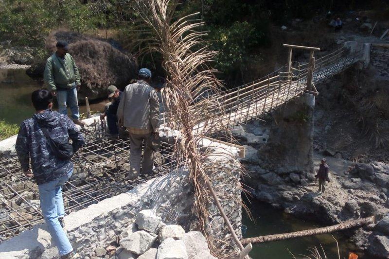 Tahun 2019, Pemprov Jabar akan bangun 23 jembatan gantung desa