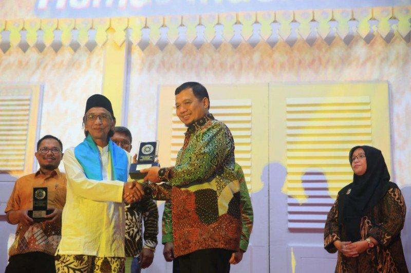 Humas Pemerintah Kota Makassar raih dua penghargaan AHI 2019