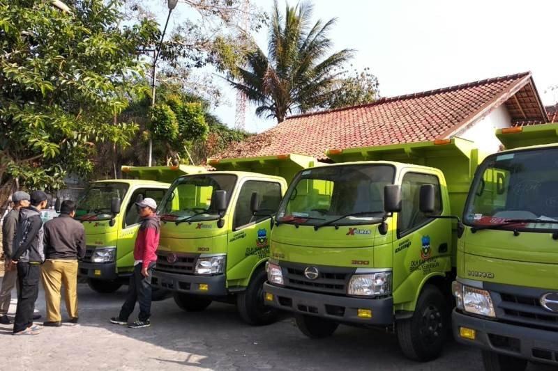 15 truk baru di Garut siap mengatasi darurat sampah