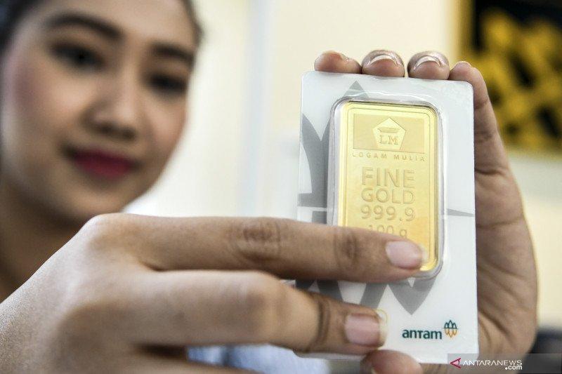 Harga emas Antam melonjak Rp9.000 per gram