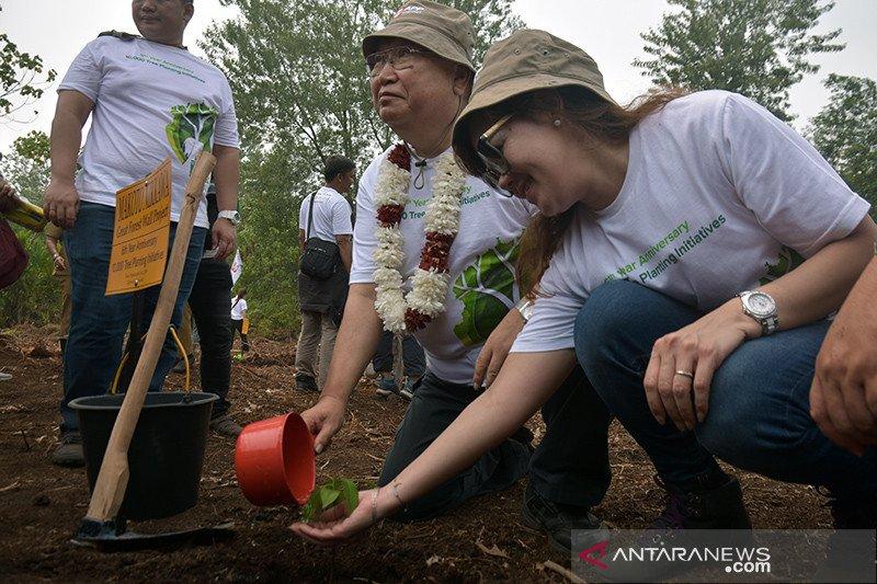 Ketika warga Jepang di Riau ingin mentradisikan kegiatan menanam pohon