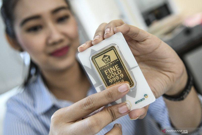 Harga emas Antam amblas Rp5.000/gram