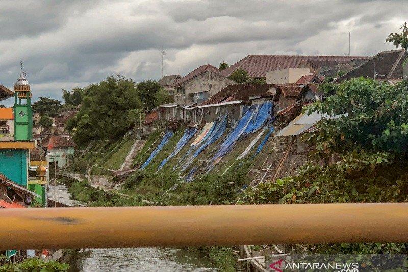 BPBD Gunung Kidul relokasi SMP Saptosari yang terdampak Badai Cempaka