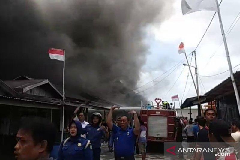 Kota Tua Penagi Natuna terbakar