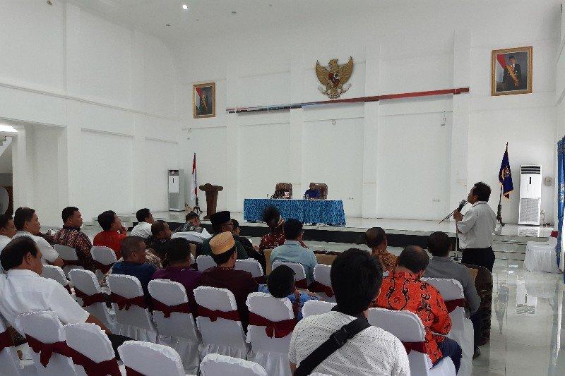 Gubernur Papua gelar pertemuan dengan berbagai paguyuban pascarusuh