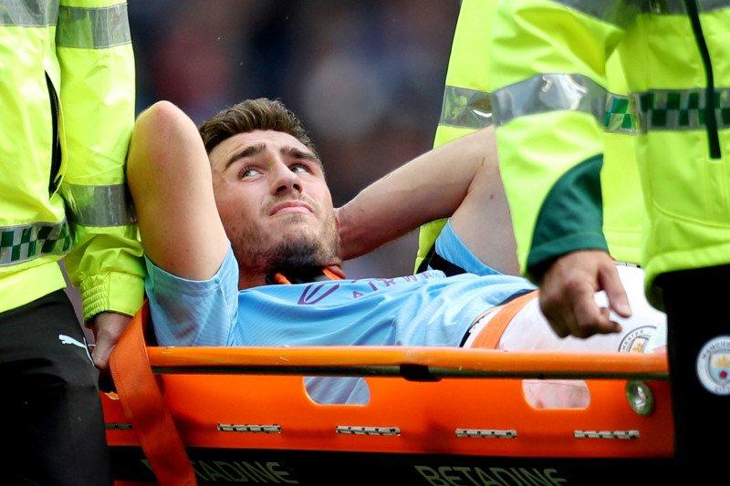 Lutut bek Manchester City Laporte dioperasi