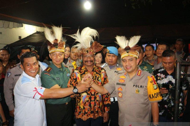 Polisi gelar silaturahmi dengan warga Papua