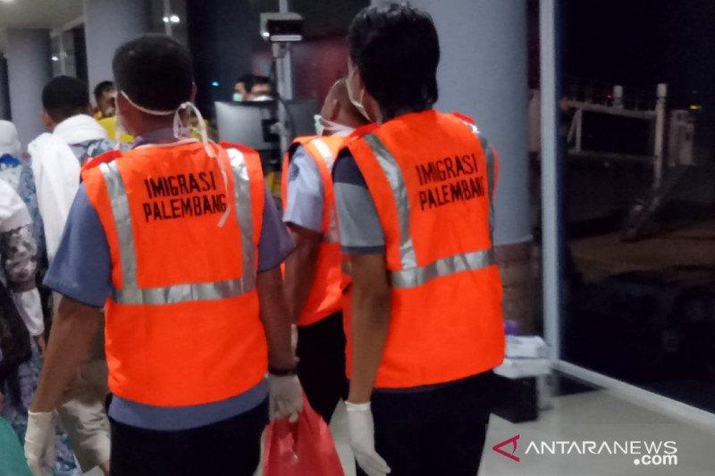 Imigrasi Palembang tuntaskan pelayanan  kedatangan 19 kloter haji