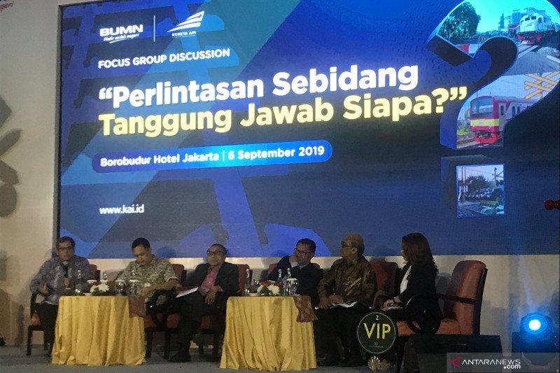"""400 """"flyover"""" KA semicepat Jakarta-Surabaya segera dibangun"""