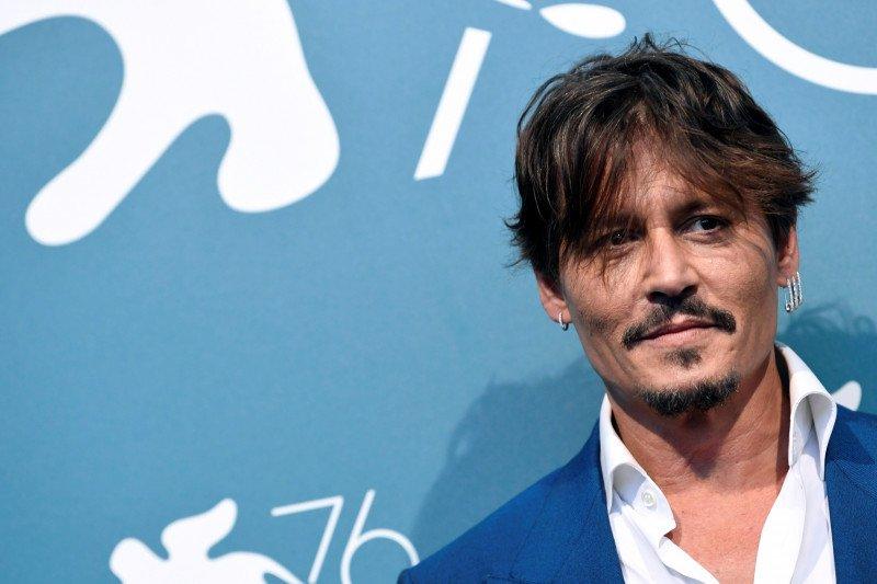 Johnny Depp hadapi surat kabar Inggris di pengadilan karena merasa difitnah