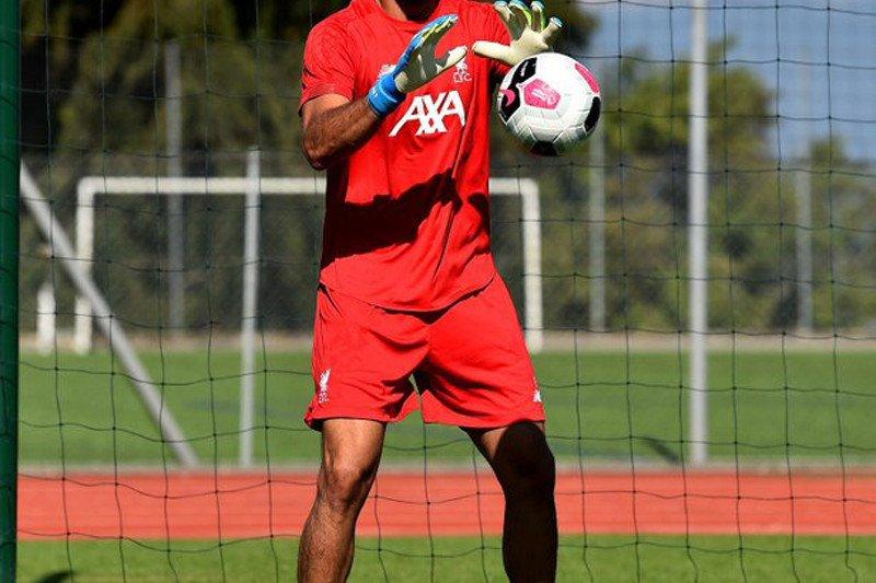 Kiper Liverpool bagikan info tentang kemajuan pemulihan cederanya