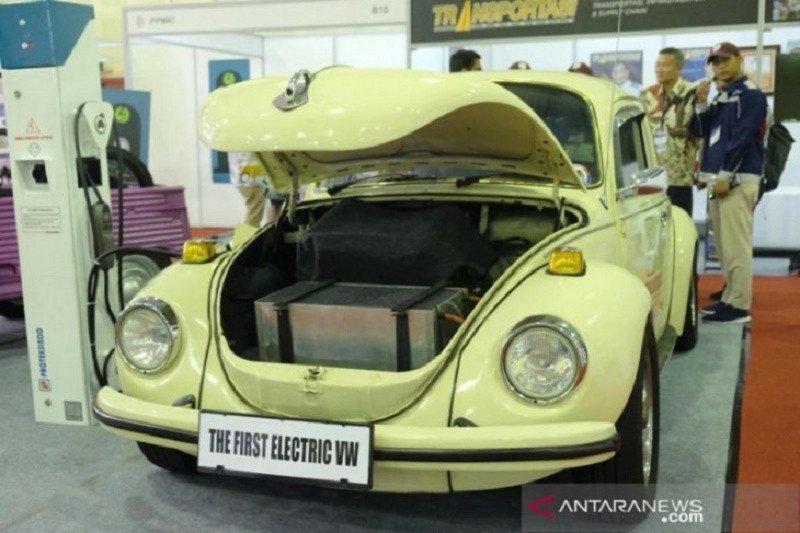 """Kendaraan lawas VW """"kodok"""" 1973 jadi mobil listrik, berapa ongkos modifikasinya?"""