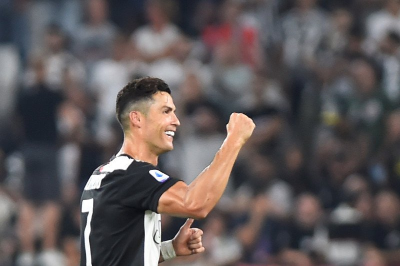 Nike beri Ronaldo Rp2,5 triliun