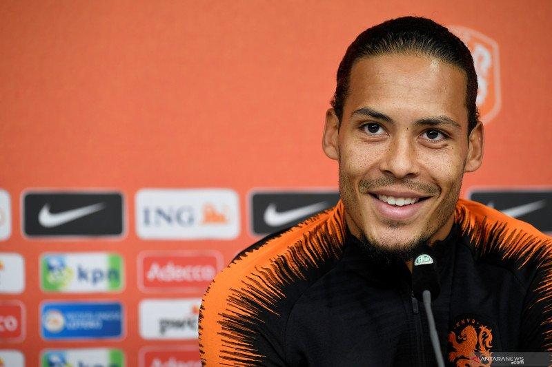 Van Dijk setujui kontrak baru enam tahun dengan Liverpool