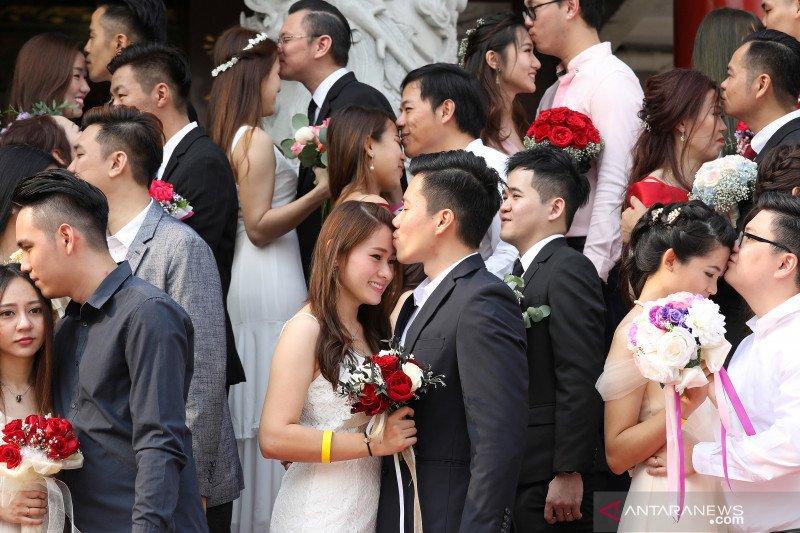 Bertahap Mncn Pupuk Pendapatan Iklan Digital: Nikah Massal 99 Pasangan Pada Tanggal Keberuntungan 99
