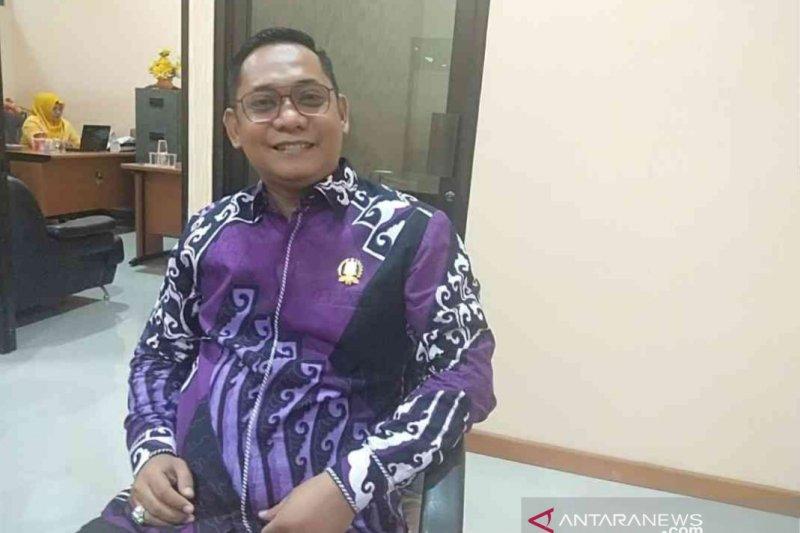 Adik kandung Bupati Bekasi janji tetap kritis di DPRD