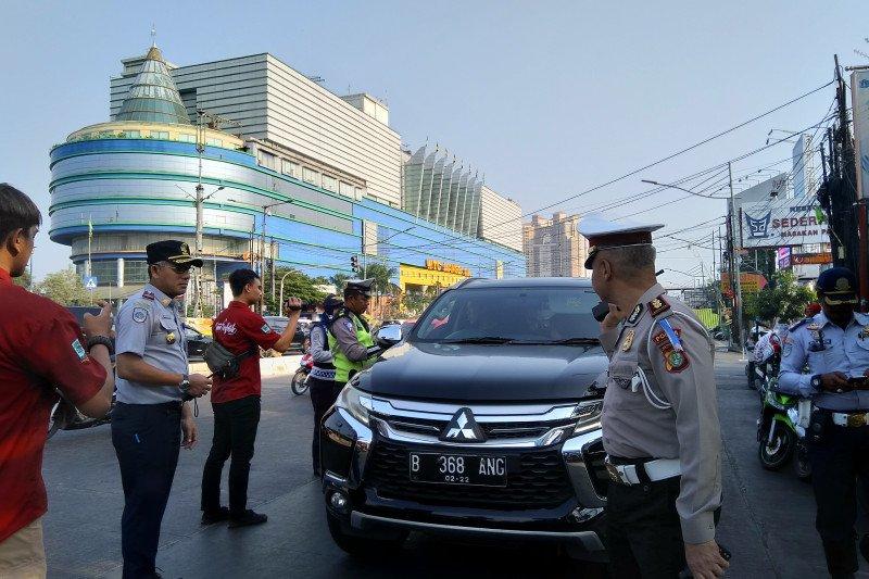 Perluasan ganjil genap di Jakarta, sejumlah kendaraan terjaring razia