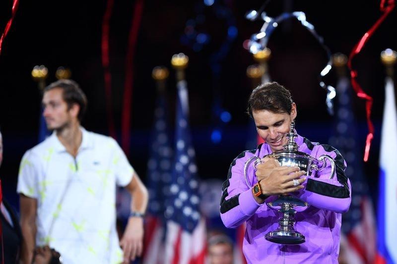 Kalahkan Medvedev, Nadal juarai US Open keempat