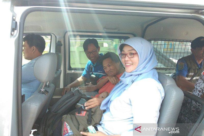 Tim kesehatan evakuasi penderita gangguan jiwa ke RSJ