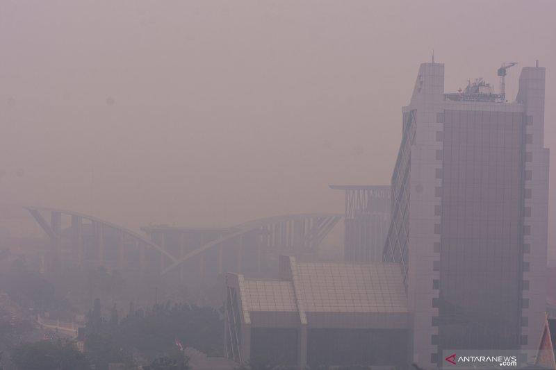 """Karhutla Riau - Sebagian Riau """"ditelan"""" kabut asap pekat"""