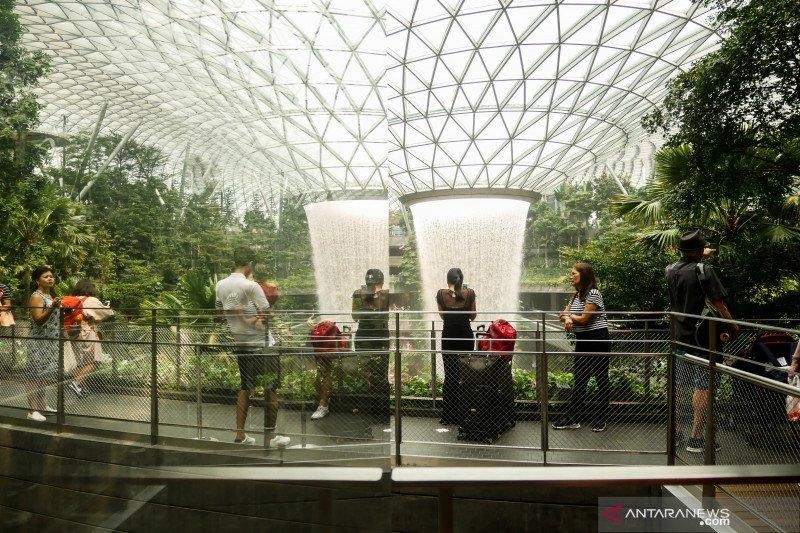 Mulai 2 Juni, Singapura izinkan pelancong transit di Bandara Changi