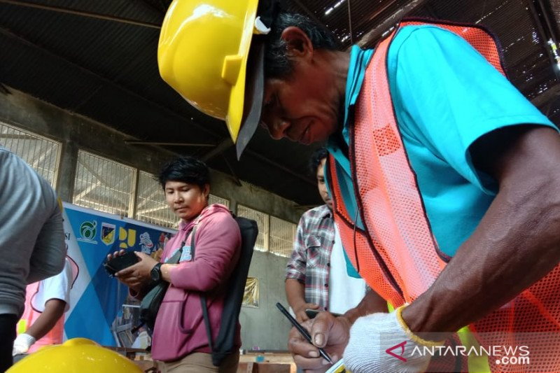 Cerita Wahab, pekerja bangunan Desa Tompe yang ikut uji sertifikasi (vidio)