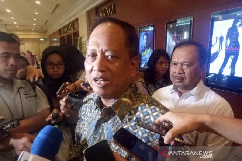 Hampir semua ibu Indonesia ingin punya anak seperti Habibie, kata Menristekdikti