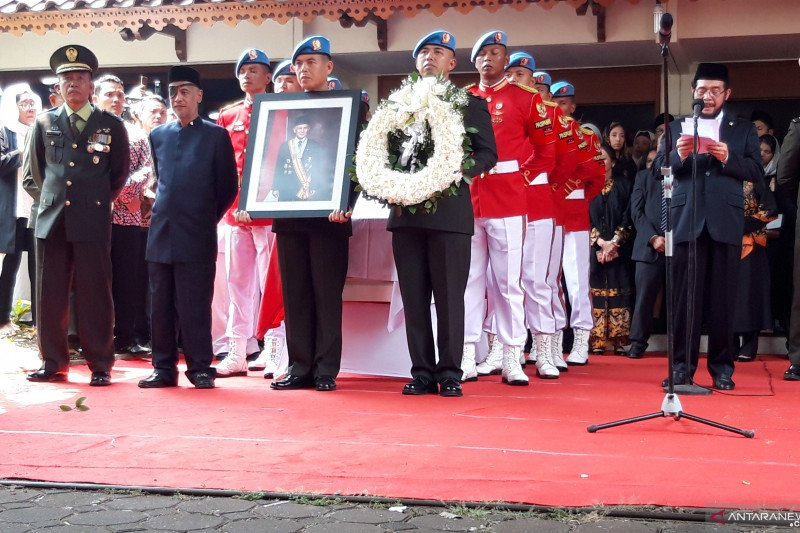 Ketua MK pimpin upacara pelepasan jenazah BJ Habibie