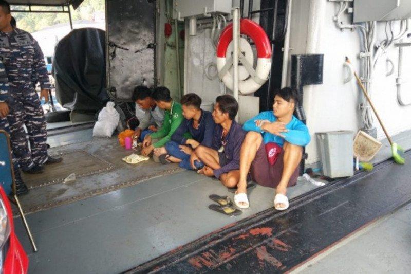 KRI CND-375 tangkap kapal pencuri ikan berbendera Vietnam di Perairan Kepri