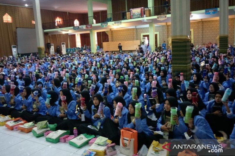 Bj Habibie wafat - 1.350 mahasiswa UIM kirimkan Alfatihah untuk BJ Habibie