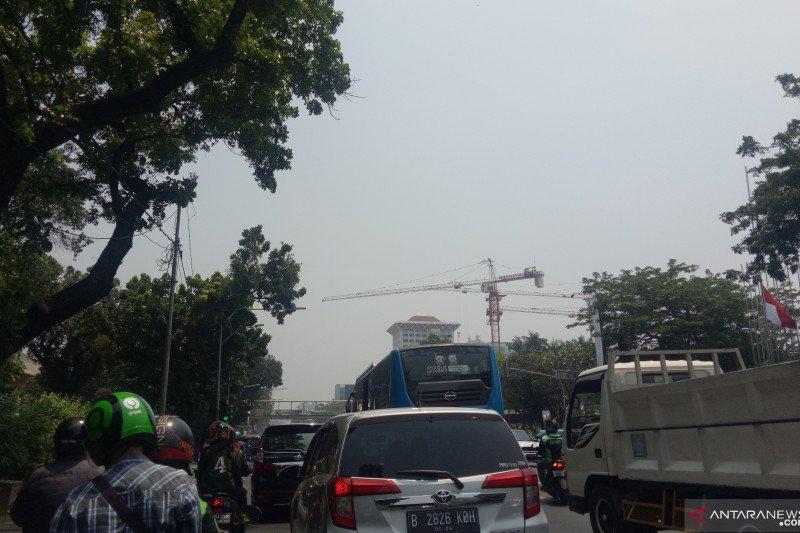 Sepanjang Jumat cuaca di Jakarta diperkirakan  cerah berawan