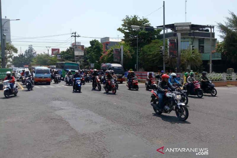 DLH Cirebon tuding asap kendaraan bermotor penyumbang terbesar polusi udara